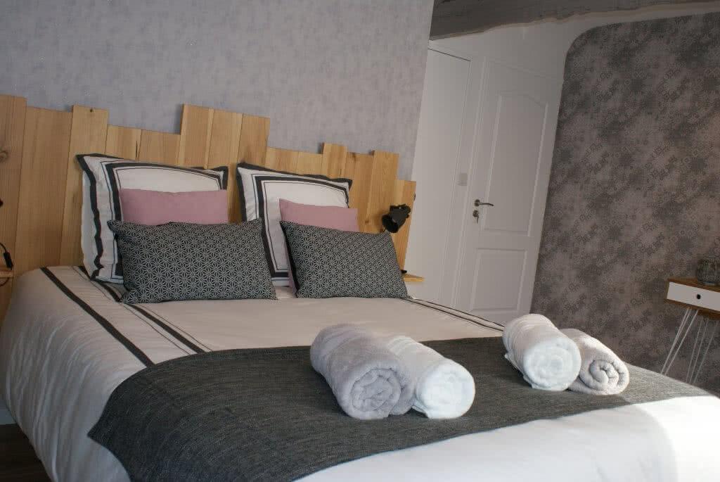 Chambre d'hôtes Ti Lann - Chambre cosy avec salle de bain et toilette indépendants équipée d'une tv