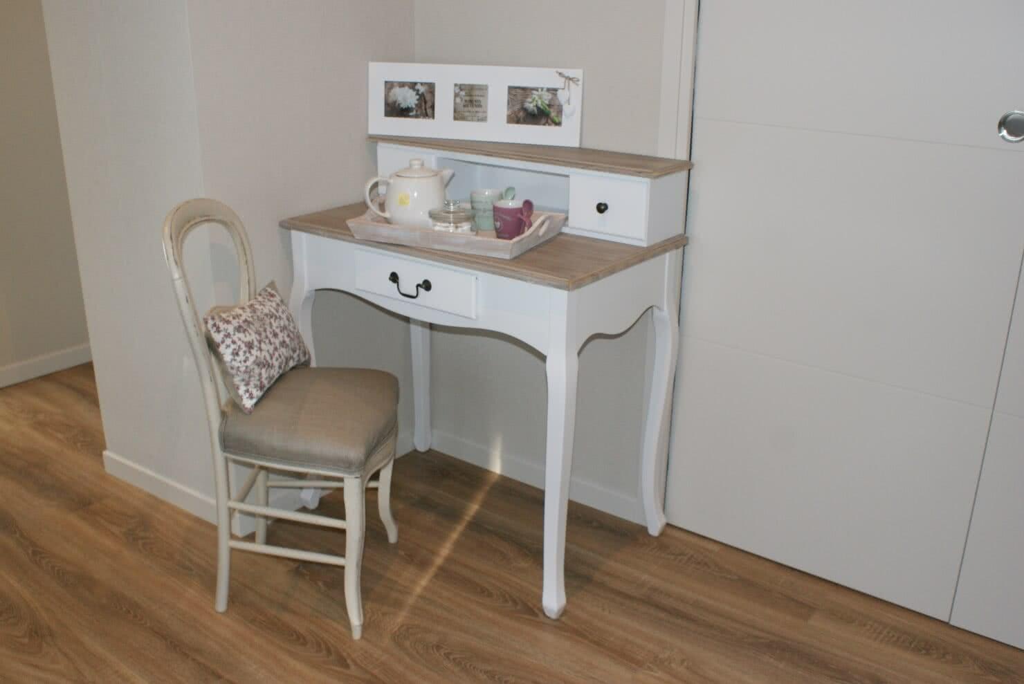 chambres d 39 h tes suite rochefort en terre village pr f r des fran ais. Black Bedroom Furniture Sets. Home Design Ideas